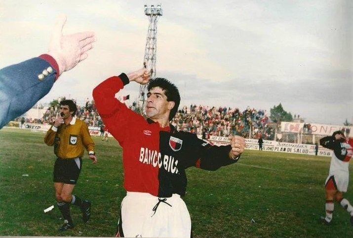 """Emotivo recuerdo del """"Pampa"""" Gambier, el ex Costa Brava que hoy cumpliría 61 años"""