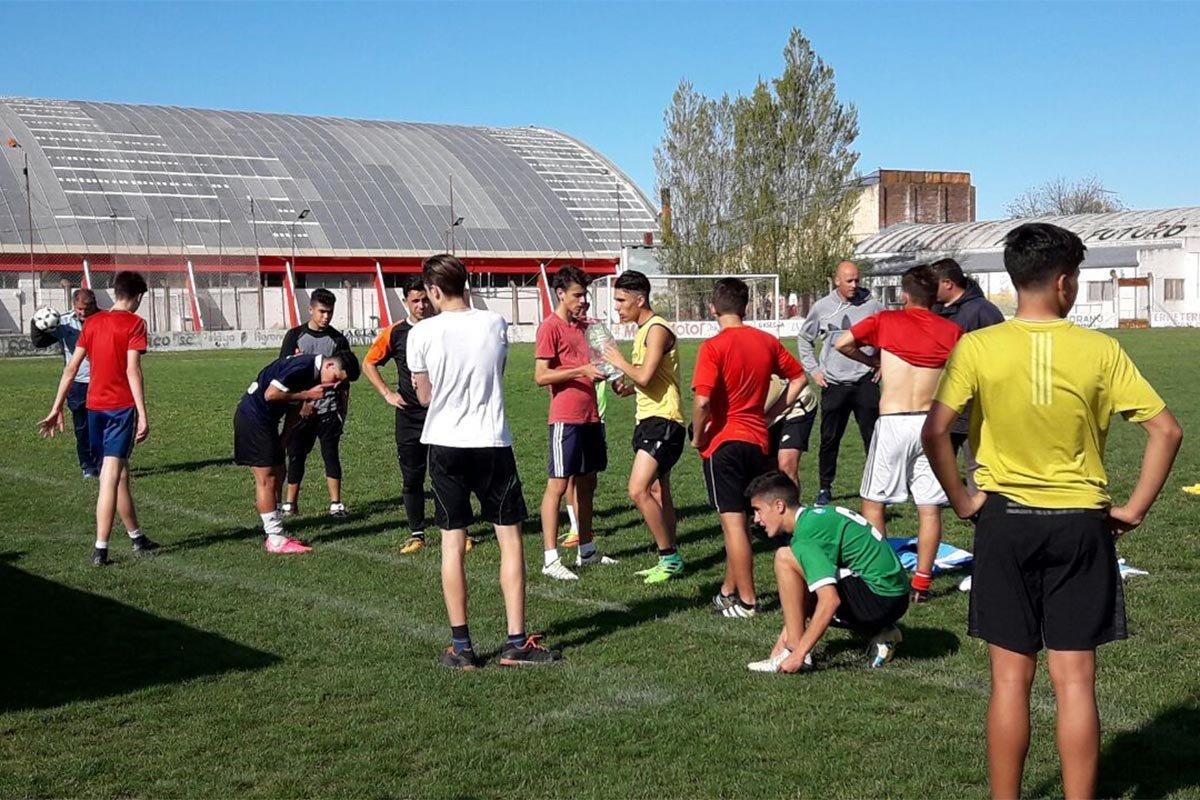 Habilitan los entrenamientos en el Fútbol, Básquet y Voley