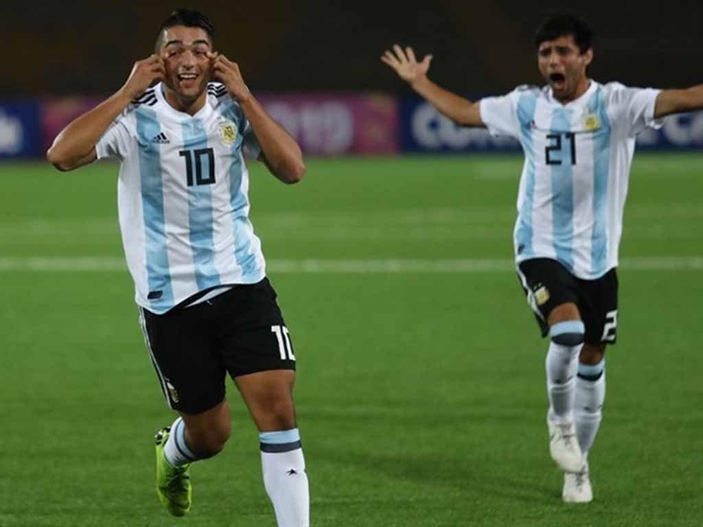 """El DT de la Selección Argentina sub 20 se refirió al piquense Matías Palacios: """"Es muy joven, está en un gran club y no le ha pesado la camiseta"""""""