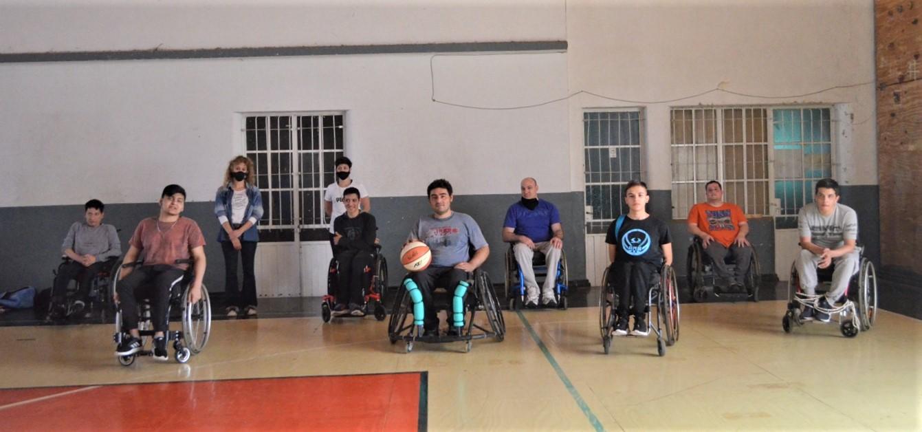 El primer equipo de básquet adaptado de General Pico entrena con mucho entusiasmo en Pico FBC
