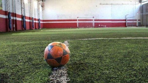 El Gobernador Sergio Ziliotto confirmó la vuelta del fútbol 5 y los deportes con oponentes