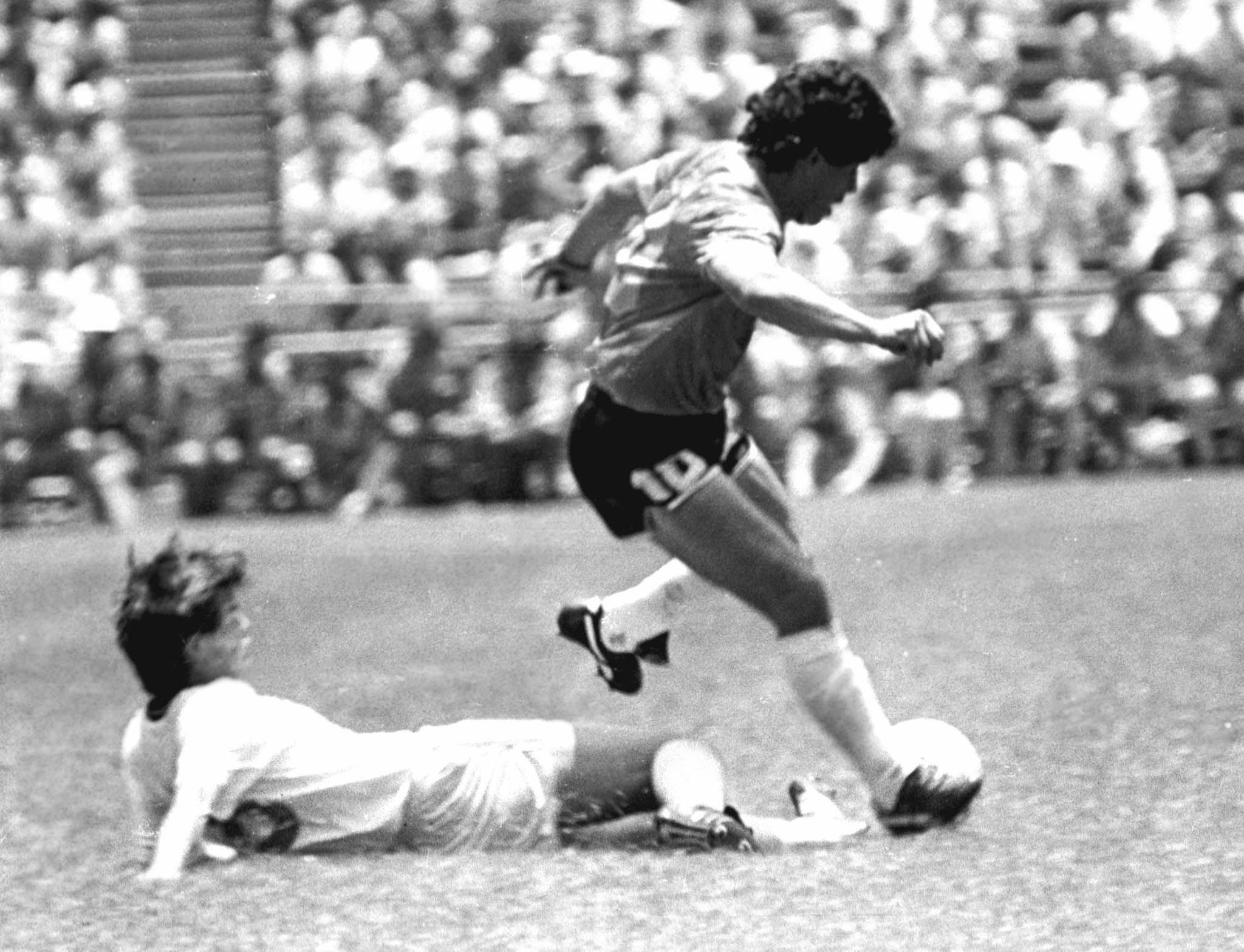 Decretan 3 días de duelo nacional por la muerte de Diego Armando Maradona