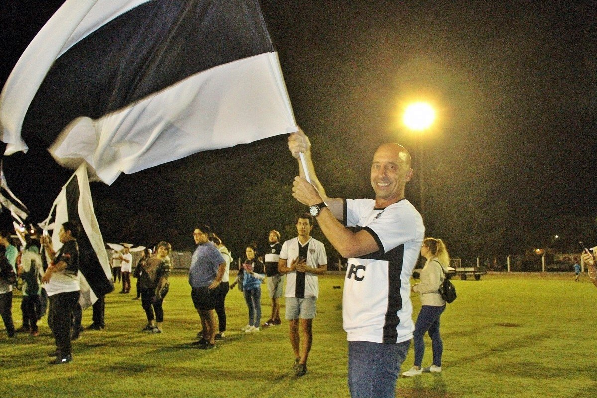 """""""Que la familia decana sepa que siempre estamos trabajando por la institución"""" dijo Claudio Corti, presidente de Pico Foot Ball Club"""
