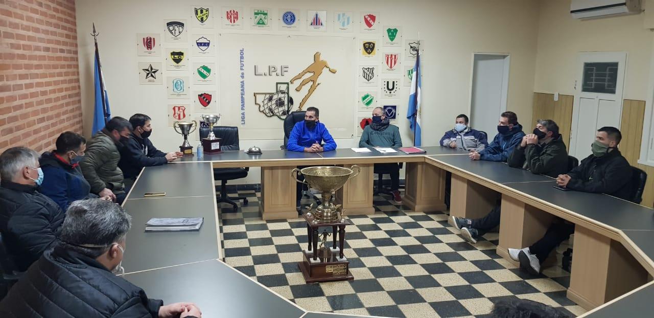 """""""Los equipos de la Liga Pampeana y de la Cultural no están dispuestos a organizar un torneo sin público"""", dijo Luis Ovín dirigente de la liga Pampeana"""