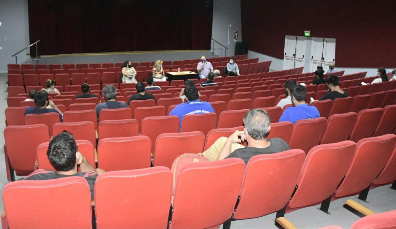 La Municipalidad convocó a los clubes, gremios e instituciones que tengan piletas para acordar horarios y protocolos sanitarios