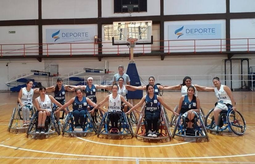 El piquense Valentín Gómez y la toayense Virginia Navarro fueron convocados a la Selección Argentina de básquet adaptado