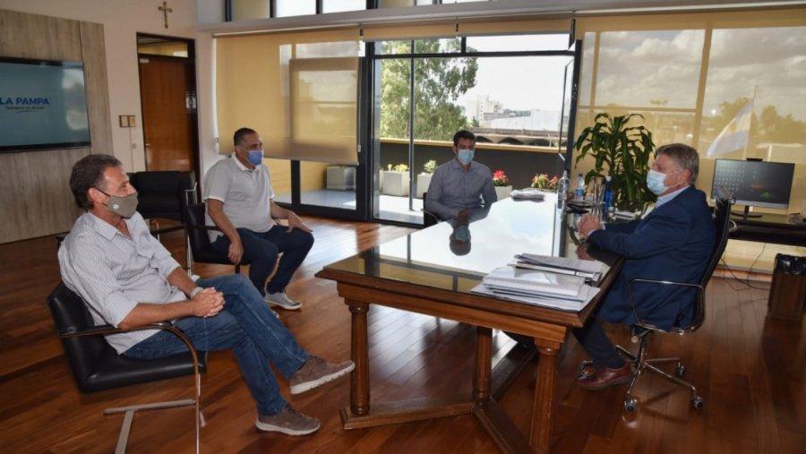 """Sergio Ziliotto recibió al titular de la Asociación Argentina de Tenis para comenzar a avanzar juntos en el desarrollo del """"Tenis social"""" en la provincia"""