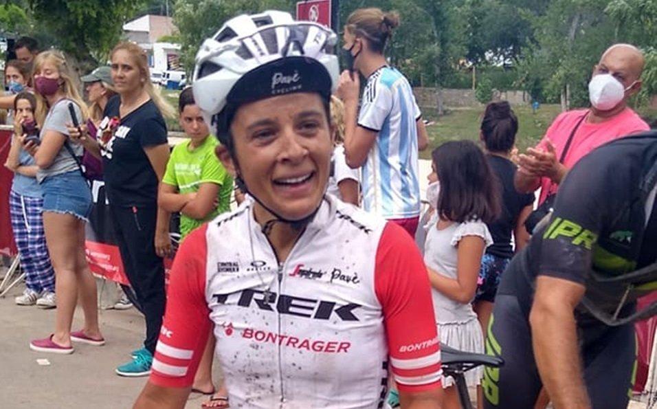 """""""Vuelta Altas Cumbres"""": La ciclista piquense Yesica Cantelmi ganó la general de damas y se consagró campeona en montaña"""
