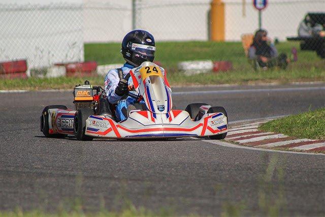 Gran actuación del piloto piquense, Manuel Alvarez Castaño, en el kartódromo Sudamericano de Sunchales