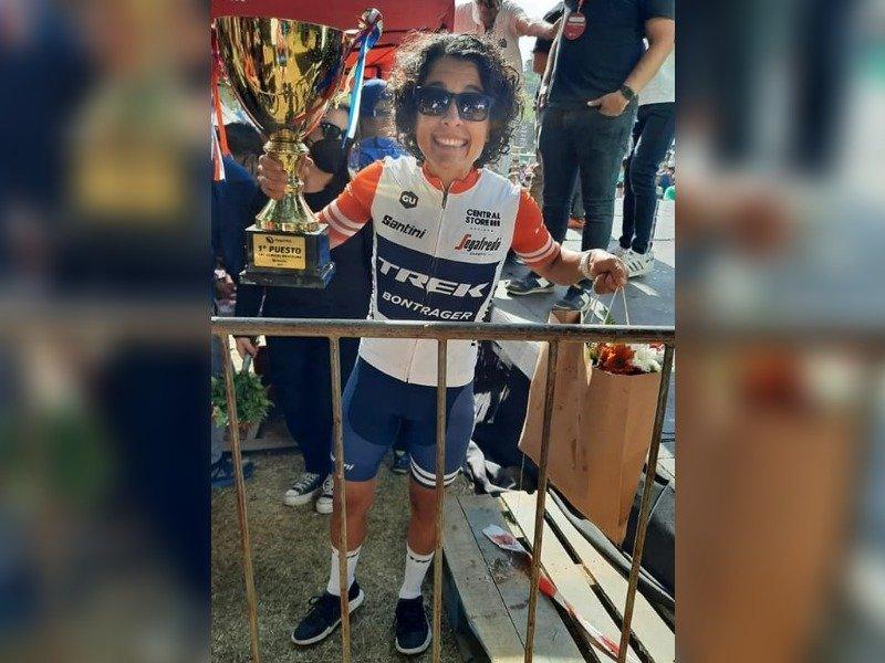 """La ciclista piquense Yesica Cantelmi salió bicampeona del """"Desafío al Valle del Río Pinto"""""""