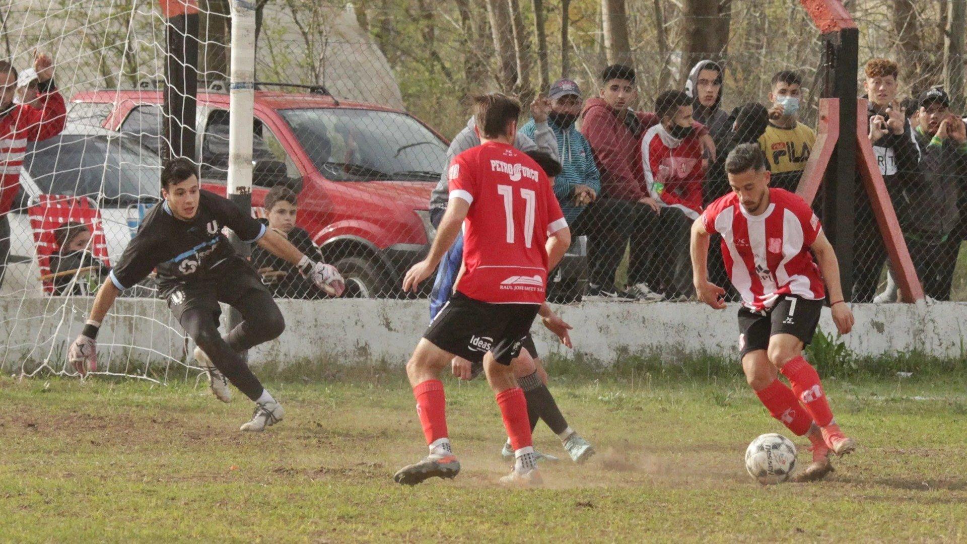 Liga Pampeana: Cambios de horarios en casi todos los partidos por el clásico River-Boca